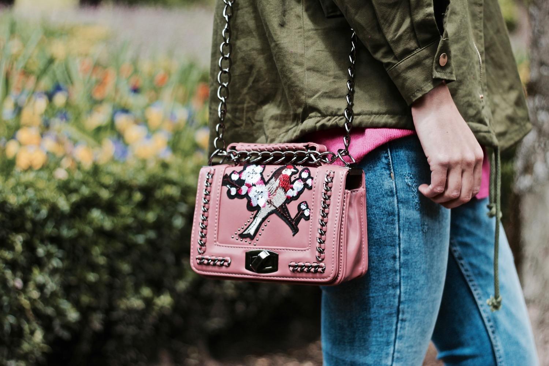 bolso rosa bordado