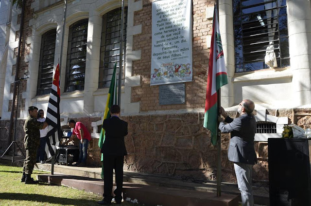 Escola Estadual Dr Almeida Vergueiro comemora 120 anos