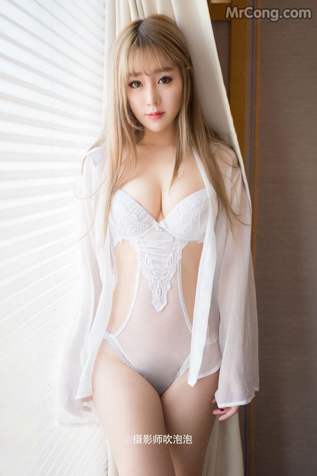 Người đẹp Wang Yu Chun (王雨纯) lả lơi khoe dáng siêu sexy trong phòng ngủ (44 ảnh)