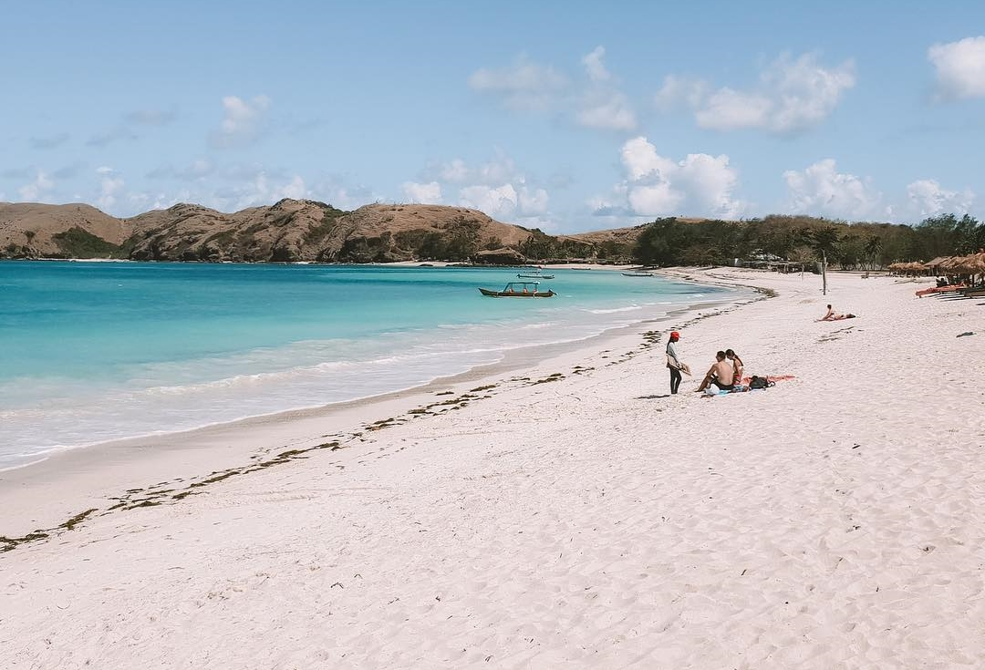 Wisata Pantai Tanjung Aan