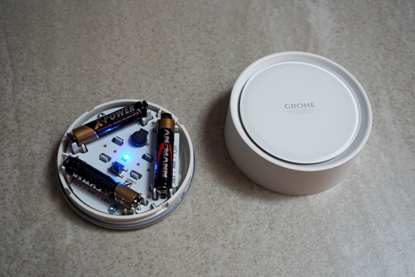 Grohe sense - czujnik zalania i temperatury - niebieska dioda
