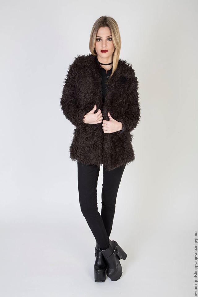 Moda invierno 2016 ropa de mujer.