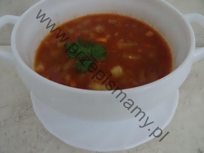 Zupa z zielonego ogórka i pomidorów