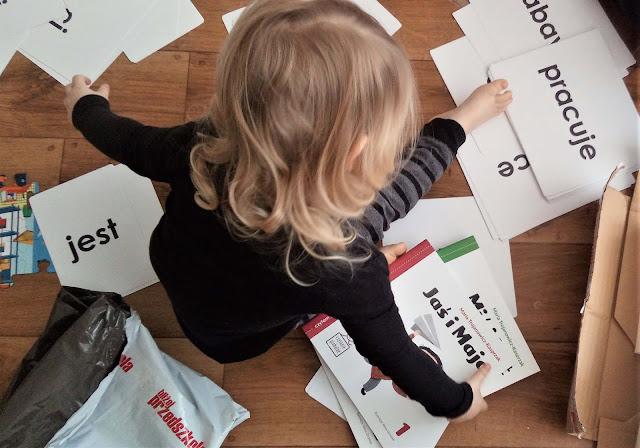 czytanie globalne i metoda Domana, jak nauczyć dziecko czytać