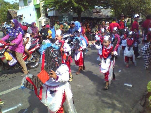 SDN Tunggulrejo pada acara Karnaval Kecamatan Singgahan Tuban