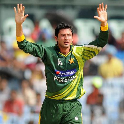 Junaid Khan wife, age, wiki, bowling, cricketer wife, wickets, twitter, niazi, vs india, pics, biography, cricketer