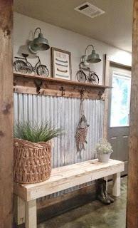 Decoración con chapas onduladas y madera