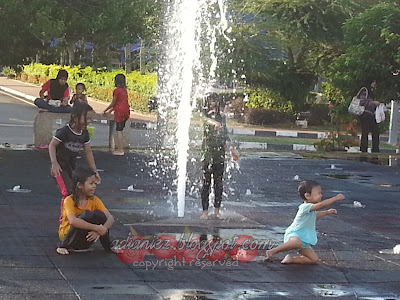 Mandi-Manda di Dataran MBMB, Melaka