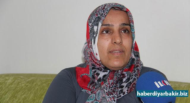 DİYARBAKIR-Diyarbakır Bağlar'da Bağcılar Mahallesi Atatürk Mesleki ve Teknik Anadolu Lisesi'nde bulunan anaokulunda okuyan 5 yaşındaki kızlarının öğretmeni tarafından darp edildiğini iddia eden aile, öğretmen hakkında şikayetçi olduklarını belirtti.