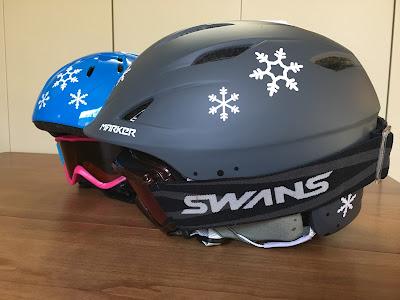 スキー用ヘルメット 雪の結晶ステッカー