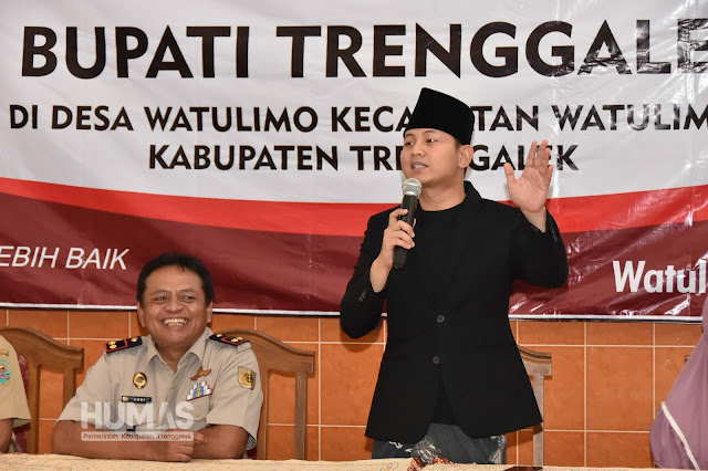 Serahkan Sertifikat untuk Masyarakat, Plt. Bupati Nur Arifin: Manfaatkan dengan Bijak
