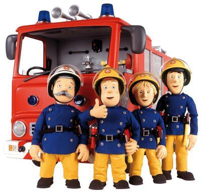 Foto de muñecos bomberos con su camión