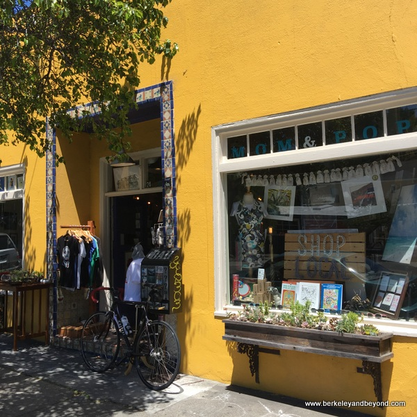 exterior of Mom & Pop Art Shop in Pt. Richmond, California