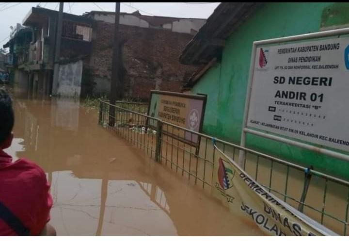 Wilayahnya Sering Banjir, Ini Saran Cadas Netizen untuk Ridwan Kamil