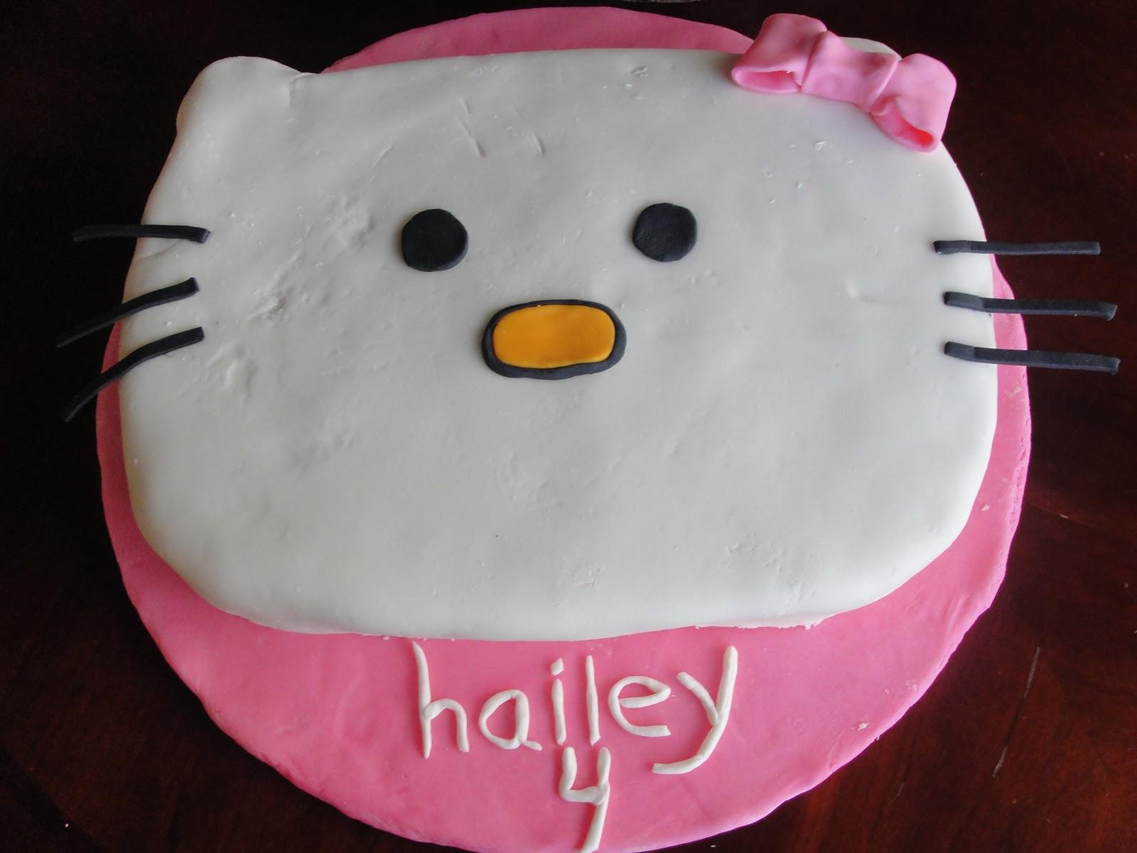 Kt Kakes Hello Kitty Birthday Cake And Cupcakes