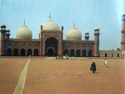 Foto Masjid Badshahi di Lahore, Pakistan