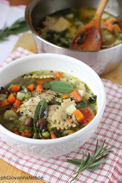 Minestrone di verdure con maltagliati semi integrali