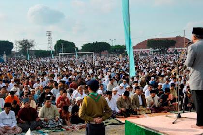 Bagaimana Hukumnya Sholat Jum'at Saat Bersamaan dengan Hari Raya Idul Fitri?