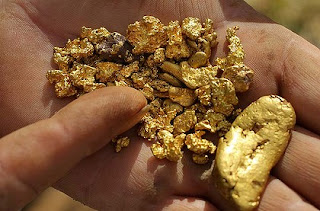 pepitas de ouro de rios