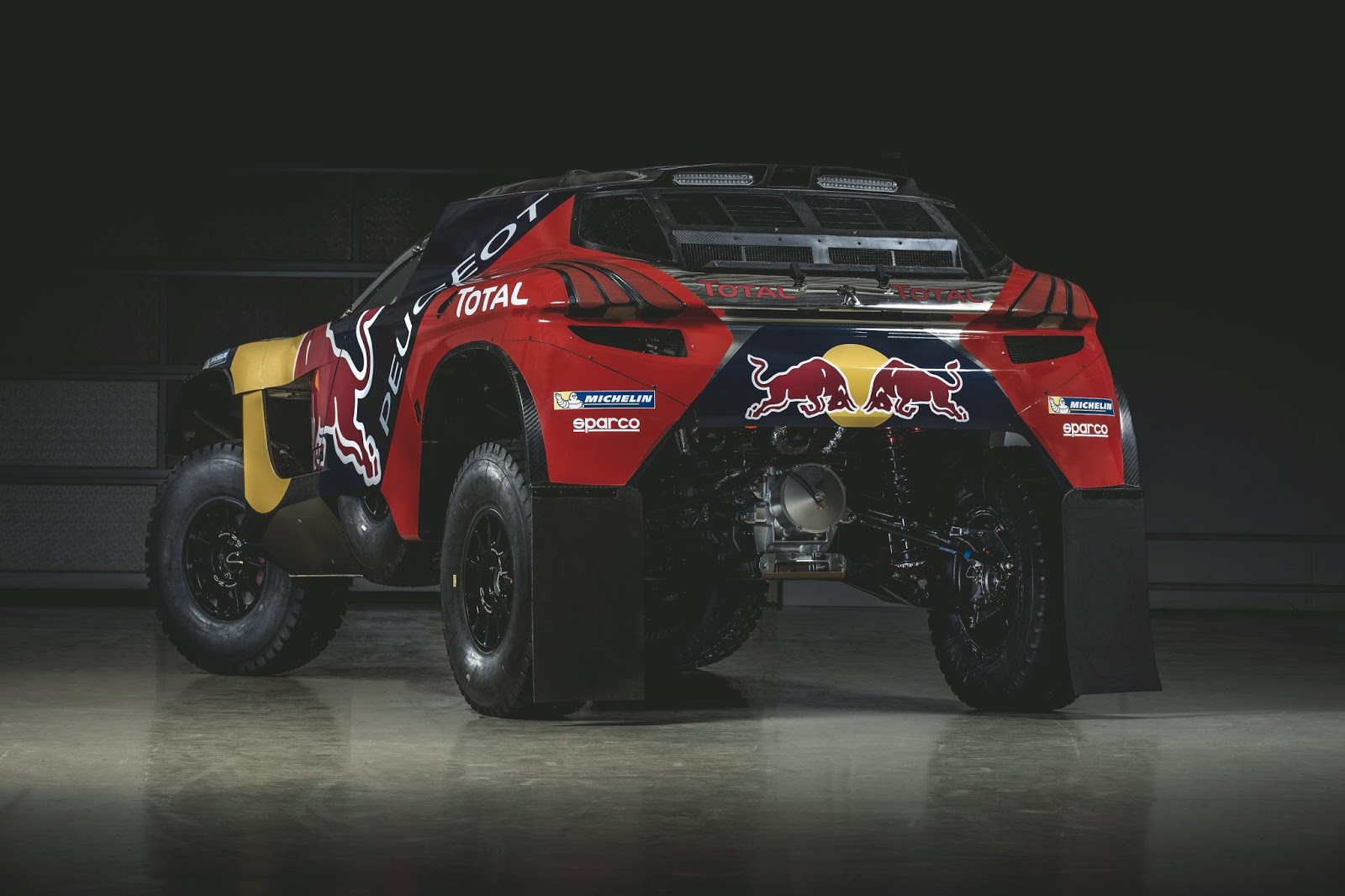 P 20151202 00242 News Το PEUGEOT 2008DKR στα χρώματα του πολέμου! Peugeot, Peugeot 2008 DKR, Peugeot 2008 DKR16, Rally Dakar
