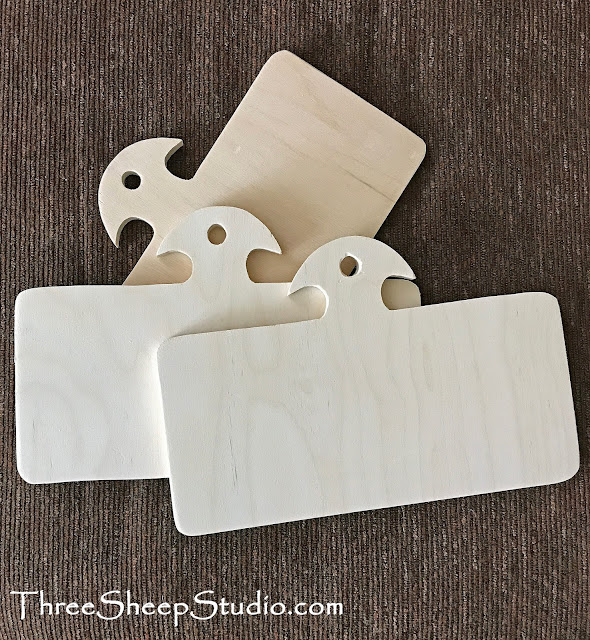 Hornbooks for finishing hand work projects.