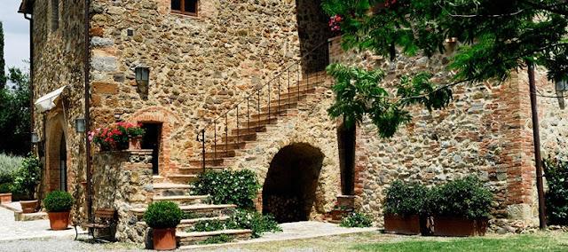 Passeio pelo centro histórico de Montalcino