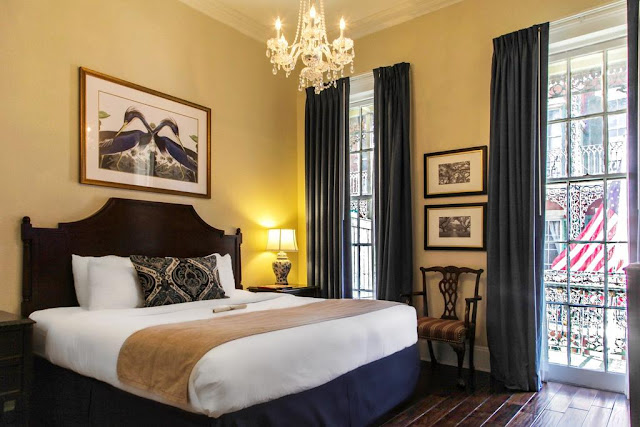 The Andrew Jackson Hotel in New Orleans is a true local treasure, steps away from swinging jazz clubs, world-class restaurants, and the lively bars of Bourbon Street, steeped with American history, Creole culture, and 18th-century European design.