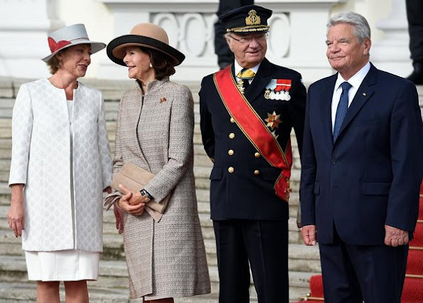 Queen Silvia, German president Joachim Gauck and his partner Daniela Schadt style dress new season dresses matchesfashion, women's designer day dresses