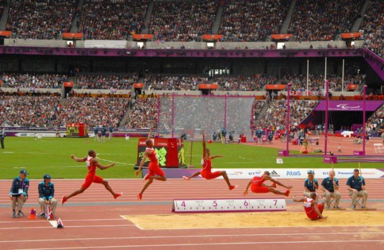 Pengertian Dan Teknik Dasar Lompat Jauh Kumpulan Olahraga