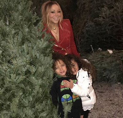 Very cute photo of Mariah Carey and her twins...