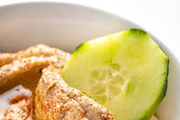 Keto Snack Cauliflower Hummus (Vegan & Low Carb)