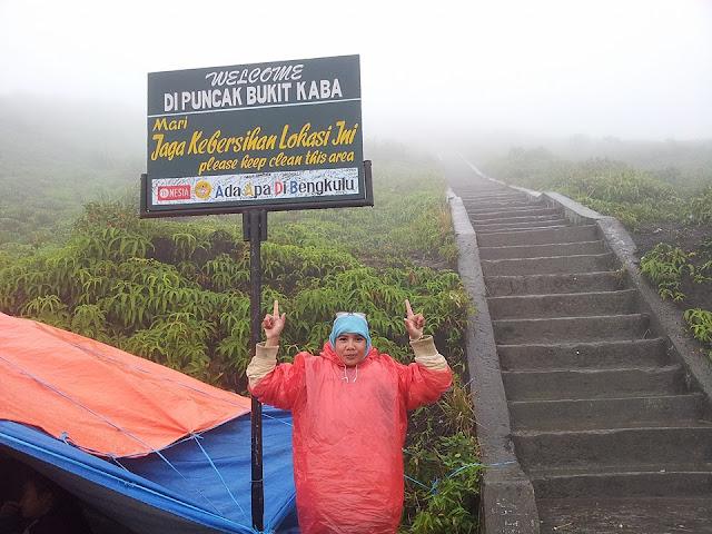 Mendaki Gunung Kaba