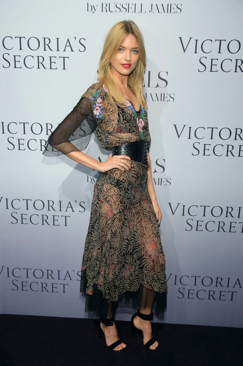 martha-hunt-at-russell-james-angel-book-launch