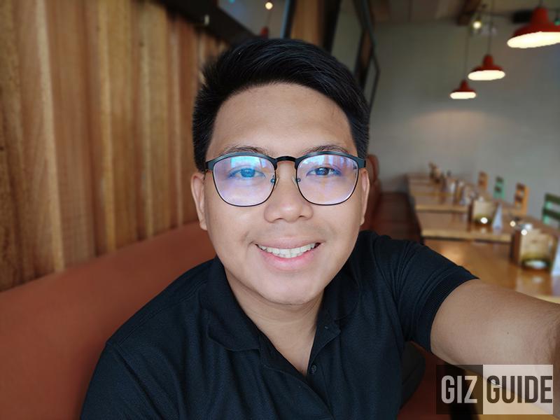 Well-lit selfie bokeh