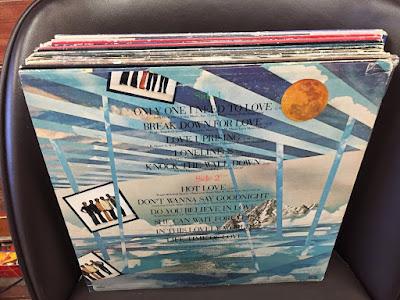 http://bentleyfunk2017.blogspot.com/2018/12/tavares-1980-love-uprising-bonus-track.html