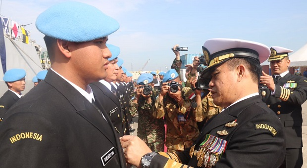 Kasal Hadiri Acara Medal Parade Satgas MTF TNI Konga