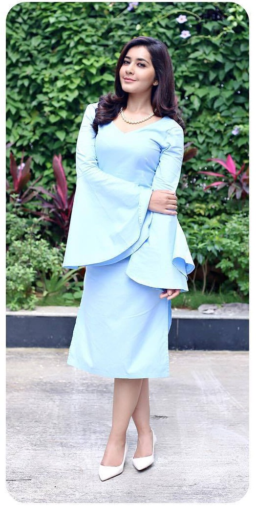 Film Actress Raashi Khanna Long Hair In Blue Dress