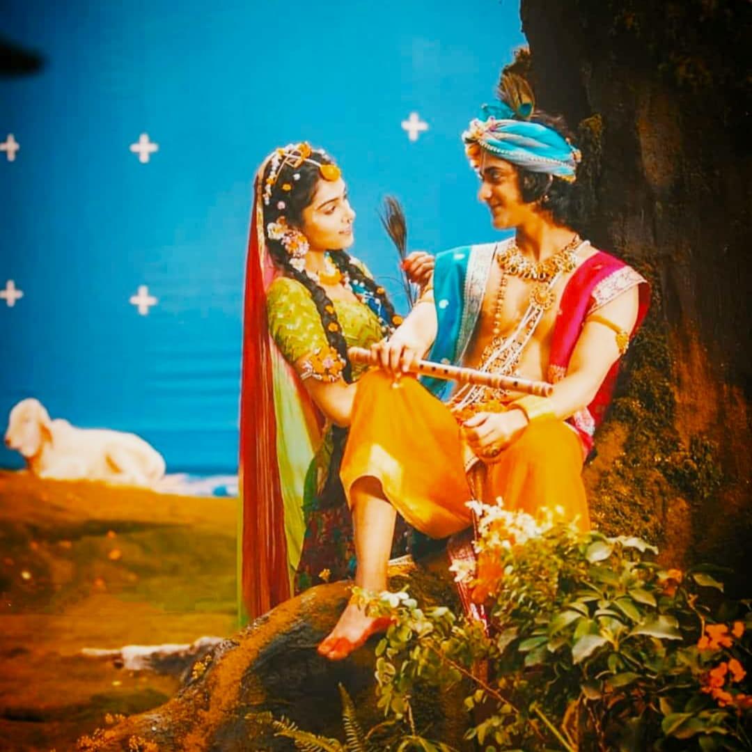 IND 彡Radha Krishna Quote彡 - व्यक्ति जो चाहे बन सकता है