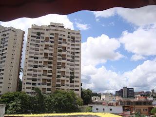 Si eres agente o asesor inmobiliario y los costos para mantener  una estructura de Markentig son muy elevados para ti, con esta herramienta te ofrecemos imagen con alcance publicitario, plataforma efectiva y elegante,  capacitación constante y material pop.  Afiliate al nuevo esquema de franquicia inmobiliaria donde podras ademas expandir tus fronteras por Panamá, Colombia, etc   Más información Milagros Fernández Asesor Inmobiliario 0212.4223247/04123605721   Nuestro Trabajo lo compartimos para hacer mas fácil vender las propiedades que tenemos...nuestro lema:  GANAR - GANAR - GANAR