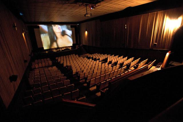 http://3.bp.blogspot.com/-WtWxL0rxOPU/T1vJPaJEWKI/AAAAAAAAANc/XG_NL-Is5z0/s1600/Cine%2BPorno.jpg