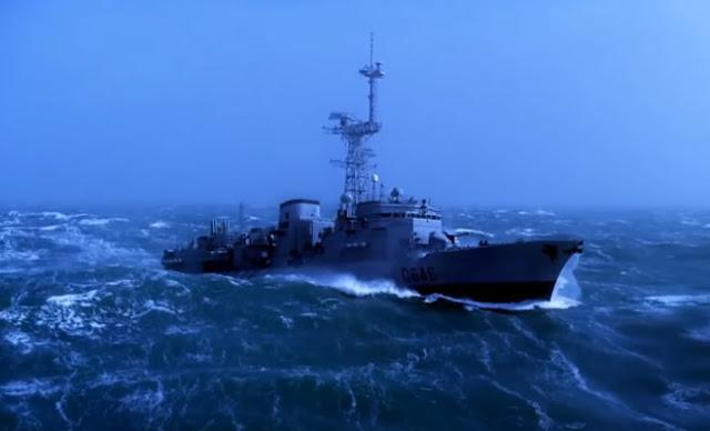 ΓΙΕ ΝΙΚΟΛΑ… Πολεμικό πλοίο σε τρικυμία! – Εκπληκτικό βίντεο…