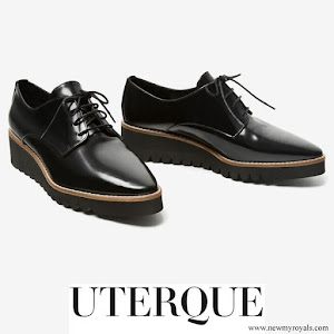 Queen Letizia wore Uterque Oxford Shoes