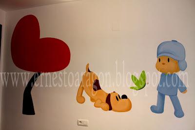 Mural con un dibujo de Pocoyo y Lula