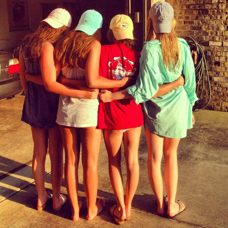 78090e00 Can this please be me and my friends over summer? Actually when I opened up  my present that was the Vineyard Vines hat on Christmas Eve my Aunt was  like OMG ...
