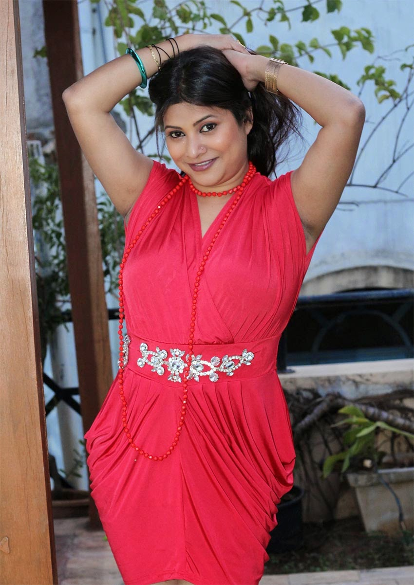 Free Movie Wallpapers Actress Roopa Armpit Show-9207