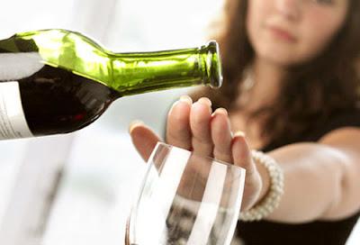 không uống rượu bia trước khi mang thai