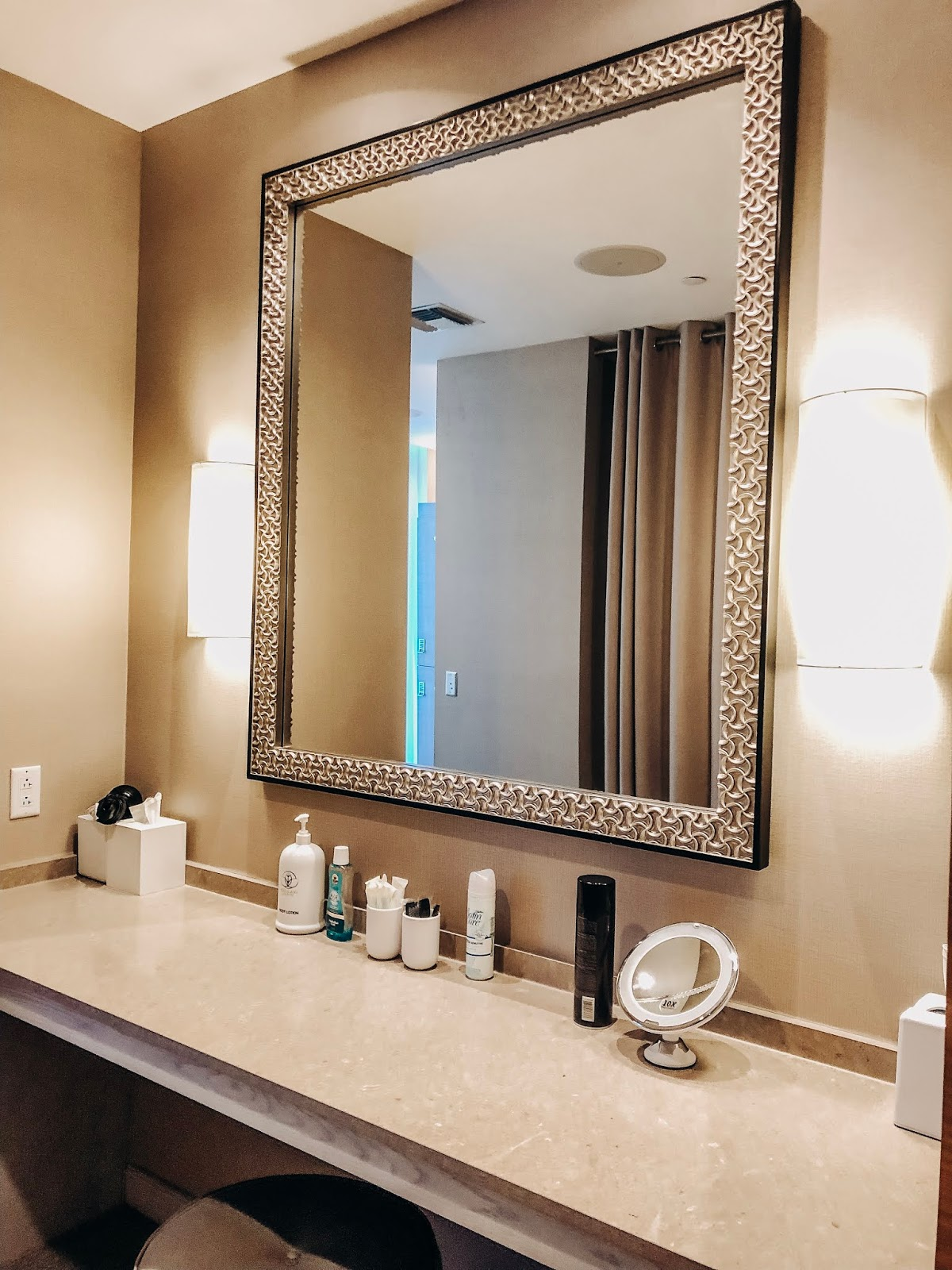inside the pallavi luxury spa. wyndham grand clearwater beach resort in clearwater,florida. affordable by amanda tampa blogger spends time with her mother at the spa for a girls day.