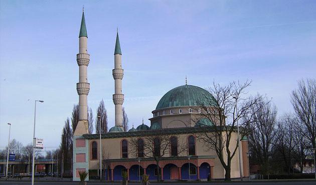 100 Masjid di Jerman dan Belanda Serentak Kumandangkan Adzan