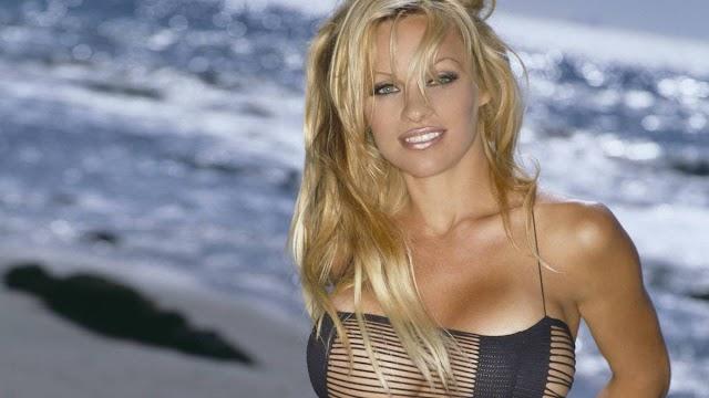 Pamela Anderson aburrida del movimiento #MeToo
