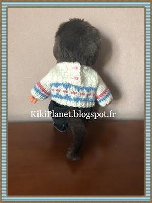Pull jacquard Blanc/bleu fait main pour Kiki ou Monchhichi, tricot, vêtement poupée, jouet vintage, knitting